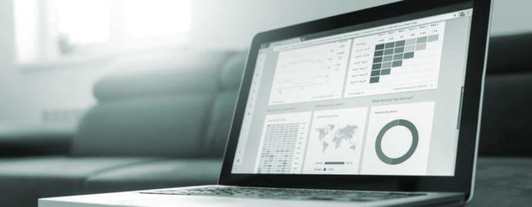 Moodbild Laptop mit Analytics